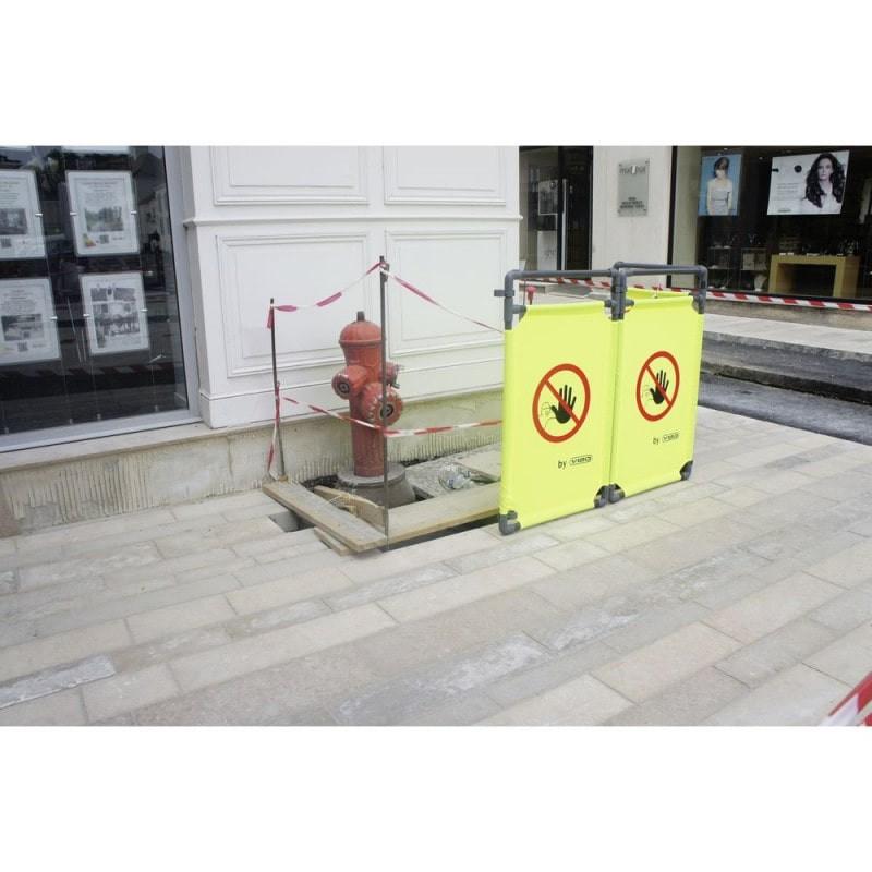 RECO 2 BK JA (Poteau Chrome ECO, sangle rétractable de 2mètres de couleur jaune)